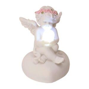 Dekofigur Engel mit LED-Kugel und Rosenblütenkranz Deko Figur Engelchen
