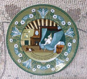 "Antique Buffalo Pottery Emerald Deldare Ware ""Dr Syntax Loses His Wig"" Plate"