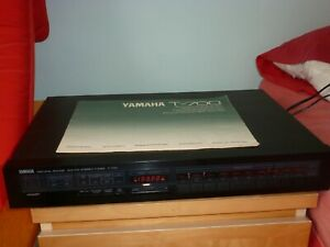 Yamaha T700 tuner with presets and Manual in excellent working condition