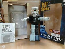 Lost In Space B9 Antimatter Talking Robot W/ Lights And Sounds