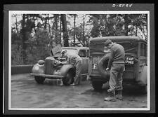 British & US Army Vehicles Vauxhall RAF World War 2 Reprint Photo 7x5 inches