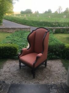 Walnut winged armchair in Queen Anne Carolean style with Fadini Borghi fabric