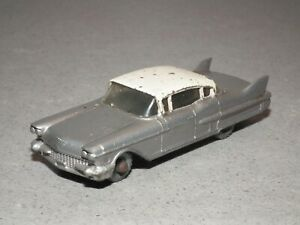 Matchbox Lesney 27C Cadillac 60 Special Silver/Pink
