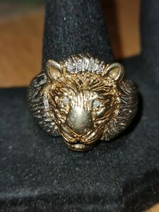 Beautiful detailed 9ct Yellow And White Gold Lion Head ring With Diamond Eyes!!