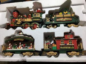 NEW BRIGHT NO. 380 HOLIDAY EXPRESS ANIMATED TRAIN SET