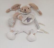 Doudou et compagnie Céleste lapin celeste cape attache tétine blanc gris étoile