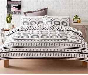 Black White & Grey Reversible Casablanca Quilt / Doona Cover Set - Double Bed