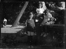 Ancien négatif photo sur verre plaque portrait enfants parc Toulon