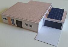 Bungalow Wohnhaus mit Garage und Solarzellen TT Epoche 5/6 Kartonbausatz