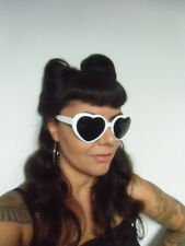 Lunettes soleil solaires coeur coeurs hearts blanc blanches pinup retro original