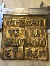Timete Deus Et Date Illi Homo Rem 9x9 Cm ottone cesellato Libro San Vincenzo