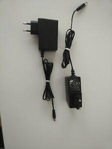 LOTS 2X TRANSFORMATEUR 220V 12V 1,5A 18W LED