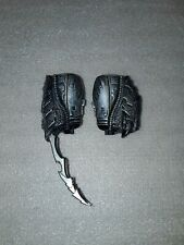 Hot Toys MMS09 AVP Celtic Predator 1/6 Wrist Gauntlets