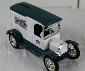 ERTL1917 FORD MODEL T VAN DIECAST COORS TRUCK LOCKING METAL BANK