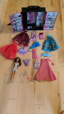 BARBIE DOLL + FASHIONISTA PINK PLASTIC CARRY CASE WARDROBE WITH LOTS OF CLOTHES