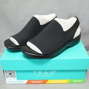 TRAQ BY ALEGRIA women's low wedge slip on black BARETT comfort shoe size 8 M New