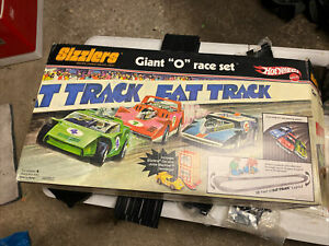 """Vintage Hot Wheels Sizzlers Fat Track~GIANT """"O"""" RACETRACK set w/Car, Box & Inst"""