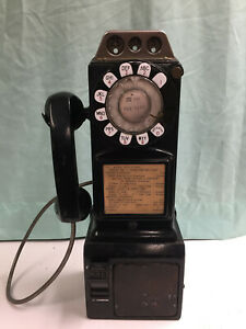 Vintage Bell System, 3 Slot Rotary Pay Phone, Telephone Model No. 197G, Black.
