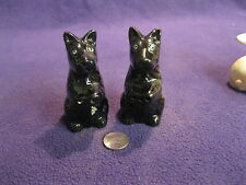 Vintage Begging Scottish Terrier Salt and Pepper Shaker Artmark Redware     78
