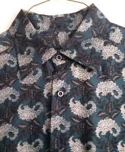 Men's Silk Button-up Gucci Shirt Size 43/17