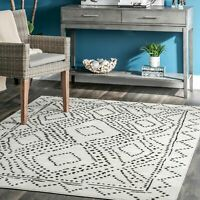 nuLOOM Geometric Mila Dotted Diamond Trellis Area Rug in Gray