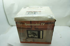 "VINTAGE TV RADIO GE SPACEMAKER 7-7160 AM/FM 6.5"" SCREEN B&W UHF/VHF ORIGINAL BOX"