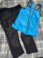 small exercise outfit , womens- Nike