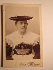 Meiesbach-mujer en Tracht con sombrero-Portrait/CDV