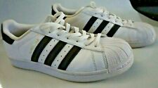 Adidas Mens US size 8.5 Superstar athletic tennis shoes Great condition