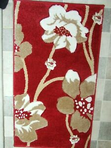 """RED, IVORY AND BEIGE FLOWERS DESIGN RUG approx:110cm (3F 7"""") X 60cm (1F 11"""")"""