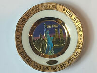 24kt GOLD EDGED NY CITY PLATE STATUE OF LIBERTY & TWIN TOWERS - ART OF CHOKIN