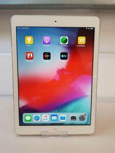 Apple iPad Air 1 16GB, Wi-Fi, 9.7in - Silver A1474, Small Crack