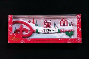 2019 HOLIDAY DISNEY STORE CAST MEMBER EXCLUSIVE IMAGNIATION KEY MICKEY SEALED