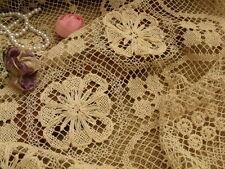 ANTIQUE SHABBY Vtg Filet Net Lace Table Runner Scarf Raised Flowers VICTORIAN