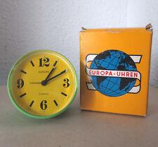 EUROPA Stilwecker Gr.19 Wecker Alarmclock analog mechanisch grün/gelb Design OVP