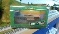 Bachmann #45310 O scale Trailer Park w/Two Trailers and Flag Pole & Flag