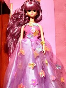 TAKARA JENNY DOLL,MIB,BEAUTIFUL DOLL HAS PURPLE COLOR HAIR WEARING A NICE OUTFIT