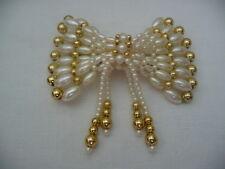 """Sehr schöne Haarspange mit weißen und """"goldenen"""" Perlen als Schleife - NEU!!!"""