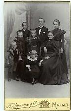 PHOTO CDV SORENSEN & CO MALMO une famille pose circa 1890 fashion