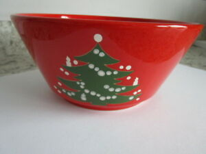 "Waechtersbach Serving Bowl Germany Christmas Tree Design 8.5"" diameter"