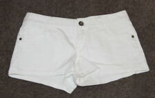 Womens size 10 white stretch denim shorts made by JUST JEANS