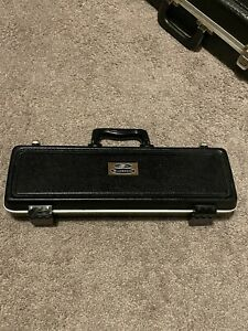 Buescher Aristocrat Flute With Hard Case and Cleaning Rod