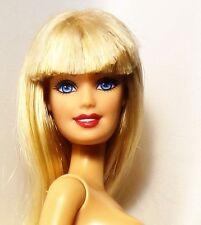 Fashionista Barbie doll bionda occhi azzurri NUDO