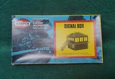 Airfix HO/OO 1/76 Scale Signal Box Kit (03610)