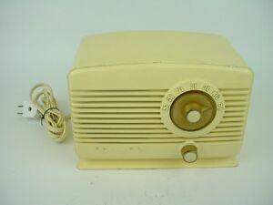 Philips Type BM III U Vintage Bakelite Tube Radio