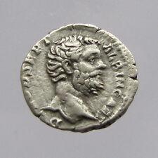 CLODIO ALBINO Argento Denarius Reverse: Minerva