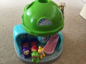 TELETUBBIES HOUSE TUBBYTRONIC SUPERDOME HOUSE WITH SLIDE TOY & 4 TELETUBBIES