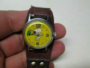 Circa 1970 Peanuts Snoopy Playing Tennis Wrist Watch Very Nice Working Condition