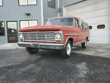 1967 Ford F100 with 352ci V8 and manual transmission with overdrive.