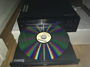Pioneer DVL-700 Laserdisc/CD/DVD player